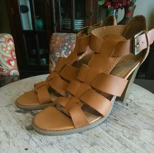 JUST IN!!! Report-Camel Sandal